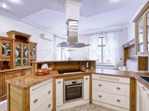 Кухня Каттелан