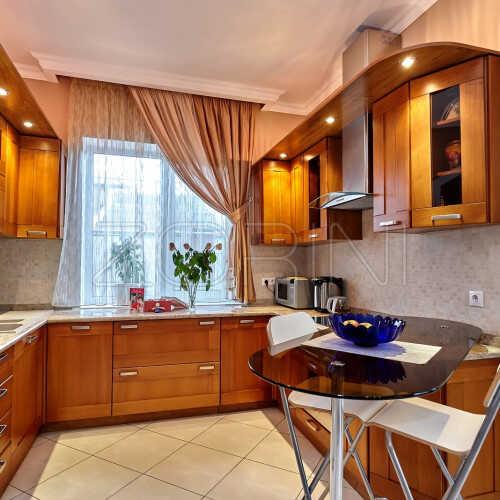Кухня из массива дуба Ферра