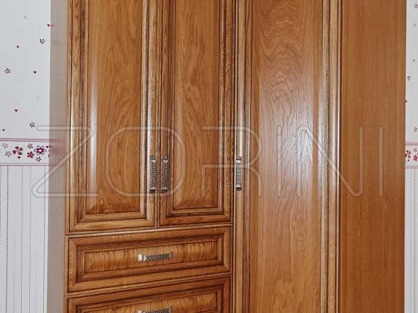 Шкаф из массива Нумеа