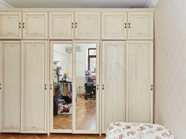 Встроенный шкаф из массива Авиньон