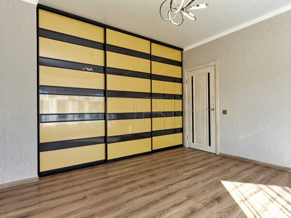 Встроенный шкаф-купе Превеза