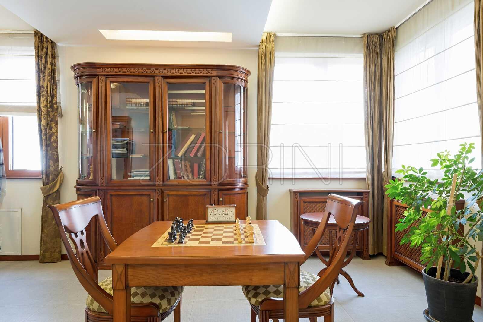 Библиотека со стеклом Марсик - фото