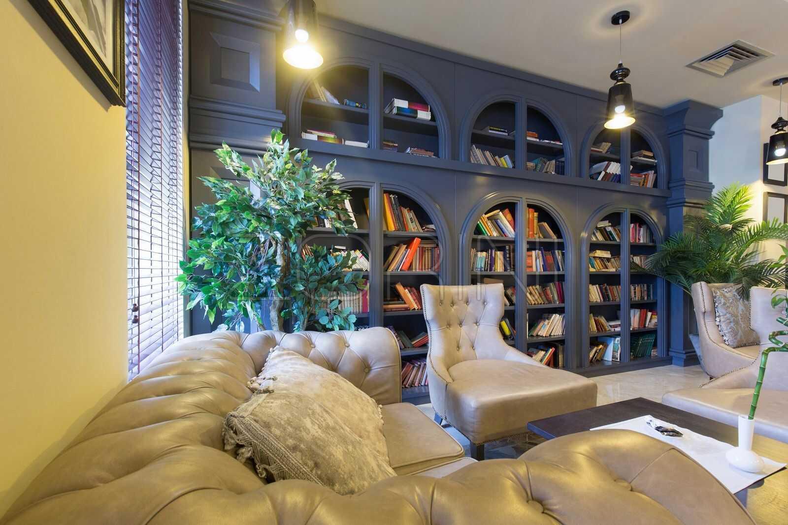 Синие книжные шкафы Иркутск - фото