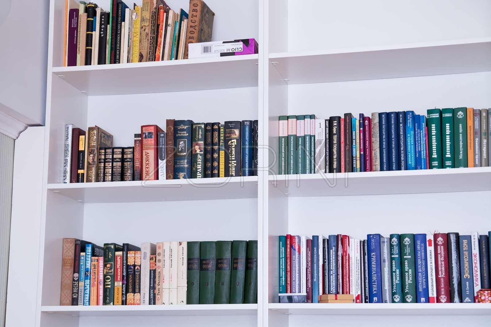 Белые книжные шкафы Хан - фото