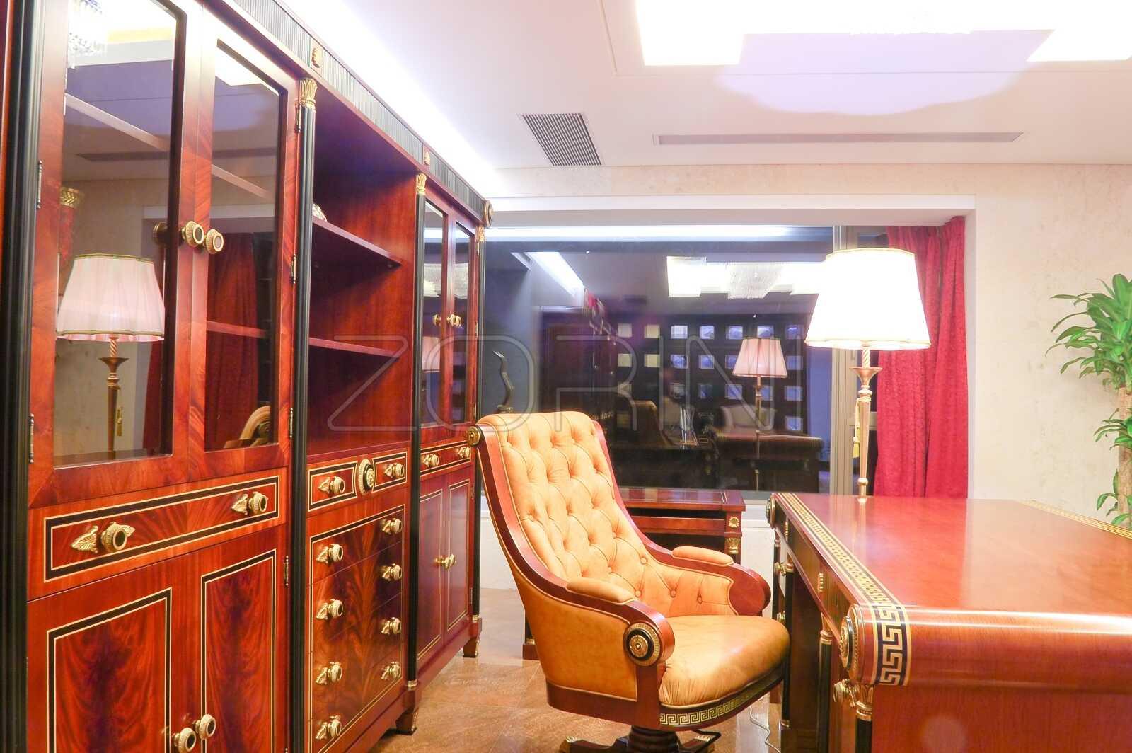 Шкафы и библиотеки в кабинет Монарх - фото