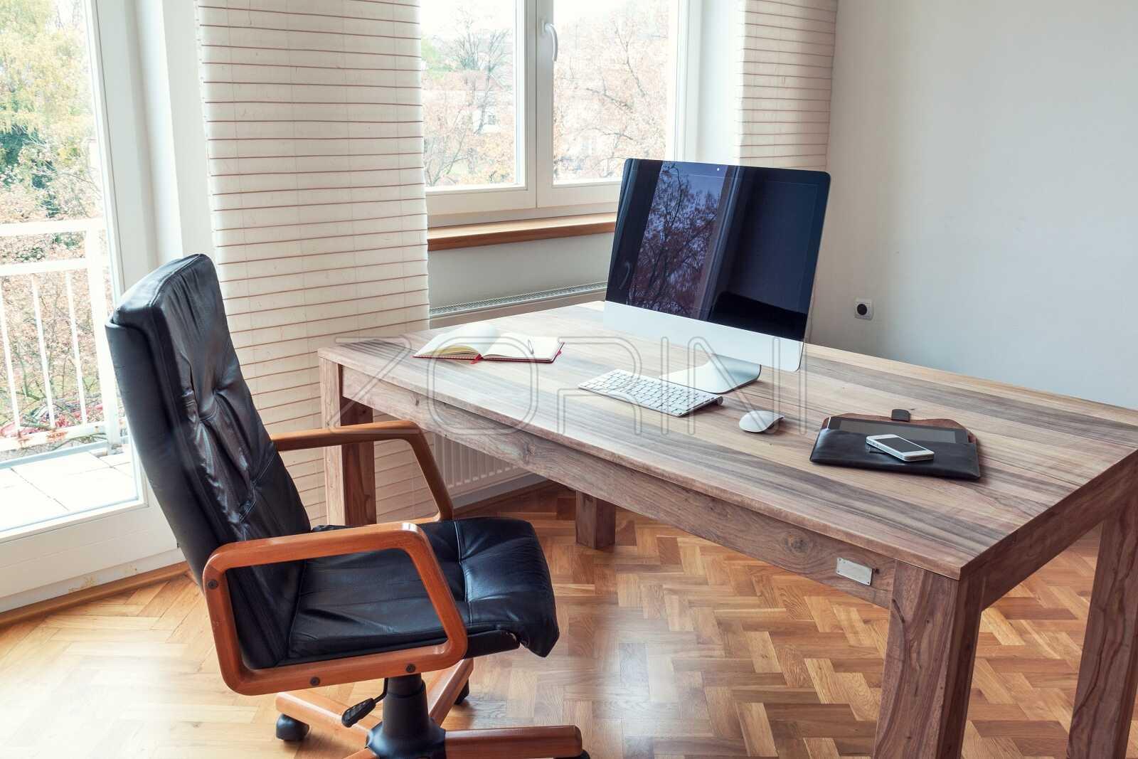 Письменный стол в кабинет из дерева Брюгге - фото